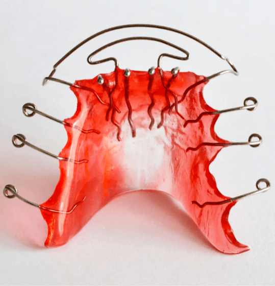 Red removable retainer appliance